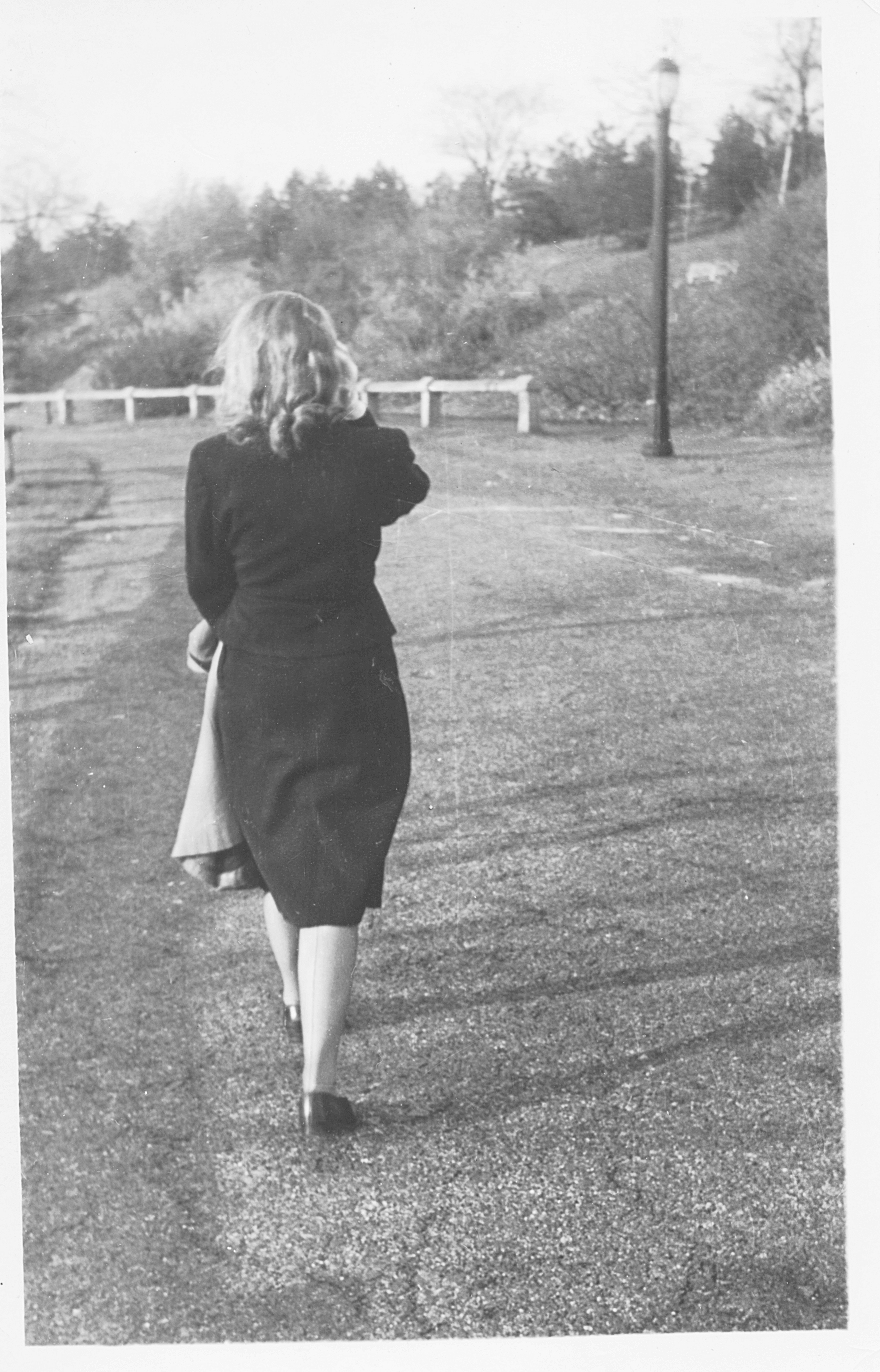 Joan-Holihan_May1948_9