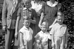 Edward_Holihan_Family_1940's